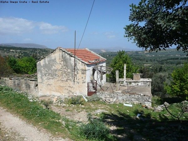 Restoration project for sale in Fres Crete Great potential panoramic views