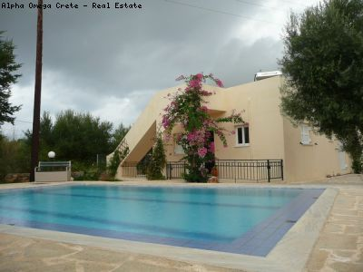 2 Bed Bungalow with Pool for sale in Drapanos Crete Roof Terrace