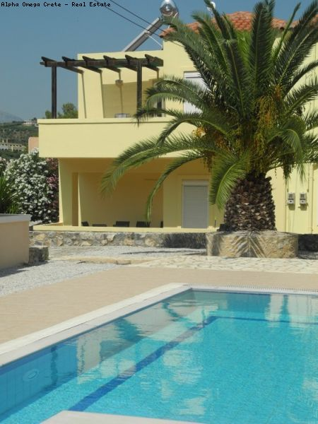 3 Bed furnished villa WINTER RENT near the beach in Almirida Crete