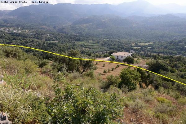 5 600 sqm plot with stunning views in Vrisses Crete